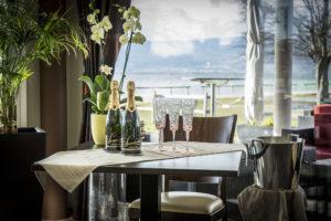 banquets restaurant au bord du lac de neuchatel a portalban fribourg avec vue